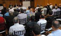 El alcalde de Valdepeñas se reunió con 60 representantes de colectivos deportivos