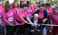 Más de 2.500 personas visten Ciudad Real  de rosa en la V Carrera de AMUMA