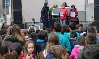 Niños y mayores celebran en Valdepeñas el Día de los Derechos de la Infancia con una actividad intergeneracional