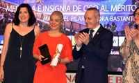 Pilar Zamora recibe la Medalla de Oro de la Real Federación Española de Balonmano