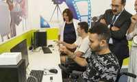 Un videojuego para ejercitar la mano y ver su movimiento en pantalla, en el nuevo espacio de ocio de Parapléjicos