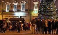 Alcázar da la bienvenida a la Navidad con la fiesta del encendido del árbol y las luces de la zona comercial