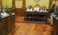 Los estudiantes se convierten en concejales en el Pleno Infantil del Día de la Constitución en Valdepeñas