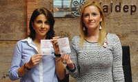 El Ayuntamiento de Valdepeñas distribuye en bares servilletas con mensajes contra el abuso de alcohol y agresiones sexistas
