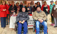 La Asociación de Esclerosis Múltiple de Argamasilla de Calatrava recibe un donativo del Ayuntamiento