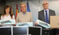El Ayuntamiento de Albacete hace entrega a Asprona de distintos equipos y material informático