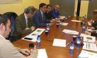 Mariscal entrega el informe del Observatorio Turístico a los representantes de los empresarios