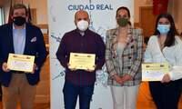 Entregados los premios del Concurso de Embellecimiento  de Escaparates, Balcones y Ventanas de Semana Santa
