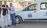 La Junta de Comunidades subvenciona una nueva furgoneta para el servicio de recogida de animales abandonados de Hogar Amigo