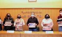 El calendario de AFANION rinde homenaje a los colectivos que 'combaten' el virus, en La Solana