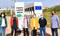 Amparo Torres supervisa en pedanías de Tobarra el Programa de Recogida Selectiva de Residuos Especiales de Origen Domiciliario mediante Puntos Limpios Móviles