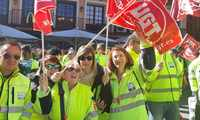 300 trabajadores de las ambulancias de Castilla-La Mancha se manifiestan en Toledo ante el bloqueo del convenio