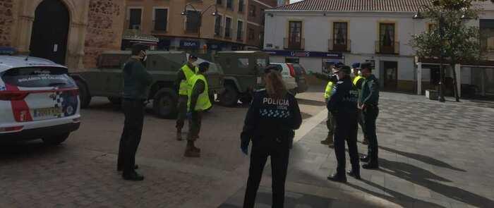 Efectivos de la Base de Almagro colaboran junto a las fuerzas de seguridad en labores de patrulla en Bolaños
