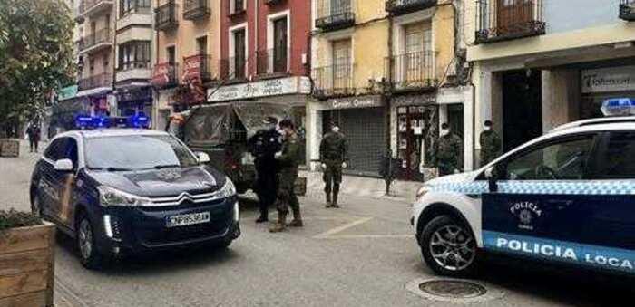 La Policía informará de la obligatoriedad de llevar mascarilla y multará si no se atiende a su requerimiento