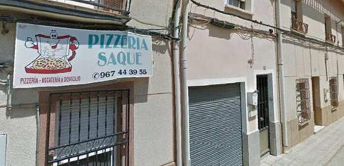 Herida la empleada de una pizzería de La Roda tras el incendio originado en una freidora dentro del local