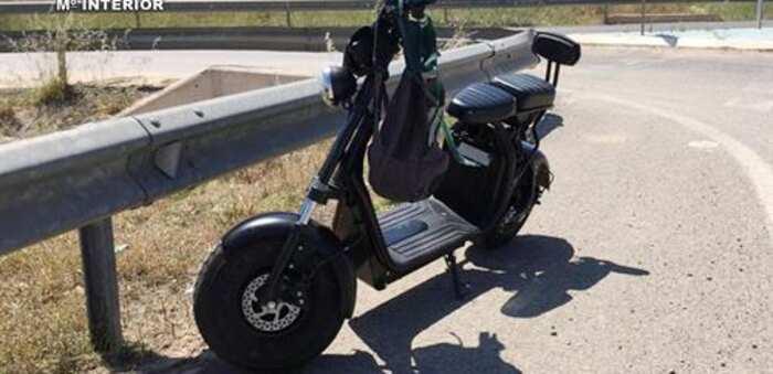Investigado un vecino de Villarejo de Fuentes por circular con un patinete eléctrico sin permiso y sextuplicando la tasa de alcohol