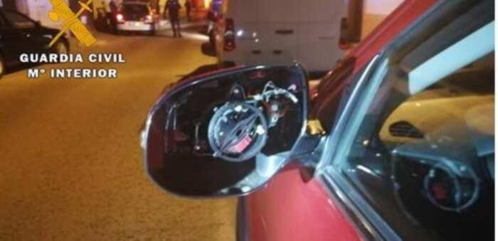 Detenido por ocasionar daños por valor de 2.000 euros en seis vehículos estacionados en Villarrobledo
