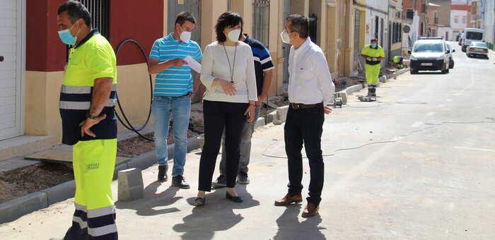 El ayuntamiento de Alcázar retoma las obras de la calle Sandoval tras el parón del estado de alerta