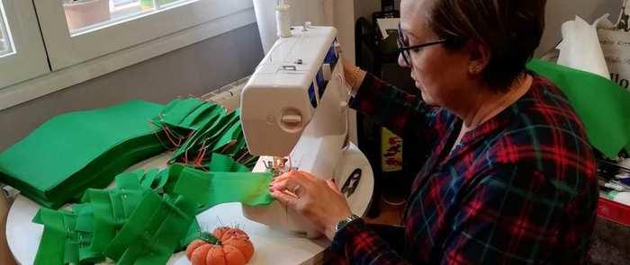 Una empresa de Pozuelo de Calatrava logra confeccionar 200.000 mascarillas para donarlas a personal sanitario y cuerpos de seguridad