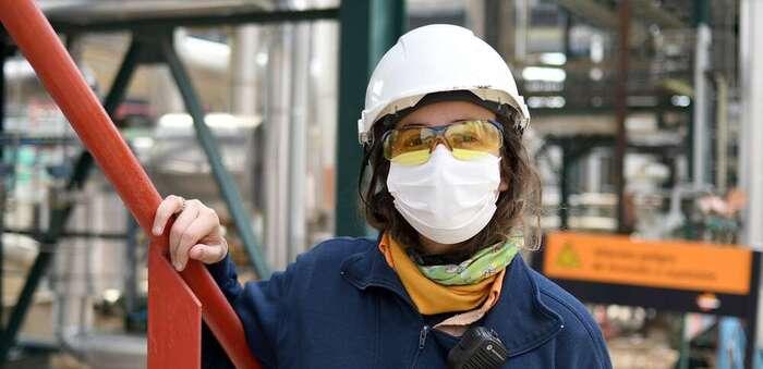 Mujeres que rompen estereotipos en el Comple-jo Industrial de Repsol en Puertollano