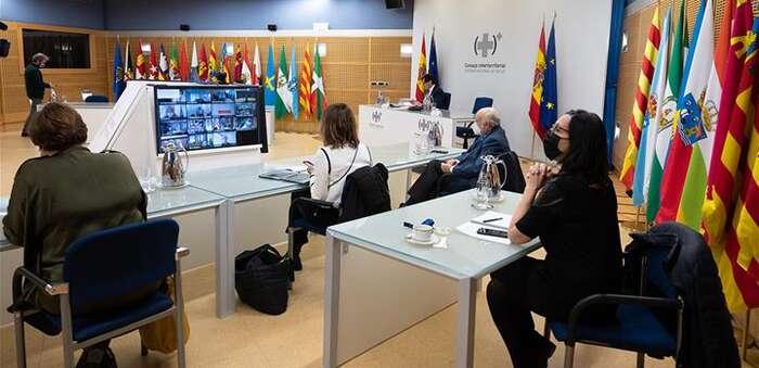 Las comunidades autónomas deberán remitir diariamente al Ministerio de Sanidad los datos de vacunación frente a la COVID-19