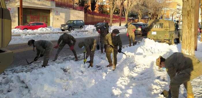 Nueva fase del operativo en Guadalajara contra los efectos de 'Filomena': 9 máquinas comenzarán a retirar nieve acumulada al despejar calzadas y aceras
