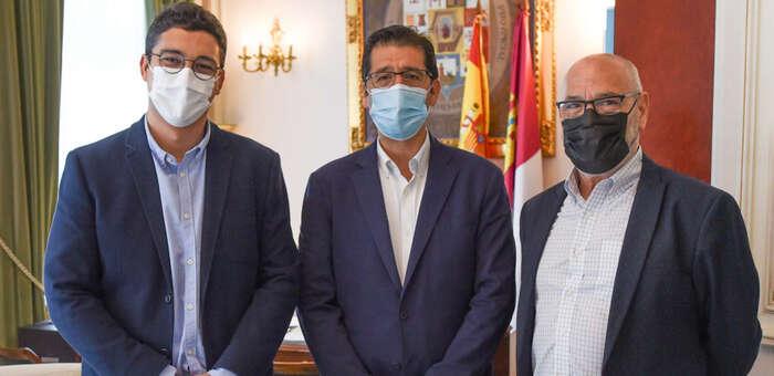 Díaz-Cano pide apoyo a Caballero para mejorar las zonas verdes, parques y vías urbanas de La Solana