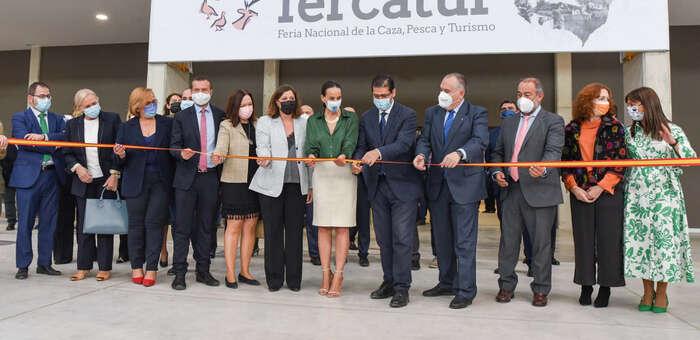Caballero anuncia en Fercatur que la Diputación de Ciudad Real estudiará la viabilidad de poner en marcha un Museo Nacional de la Caza