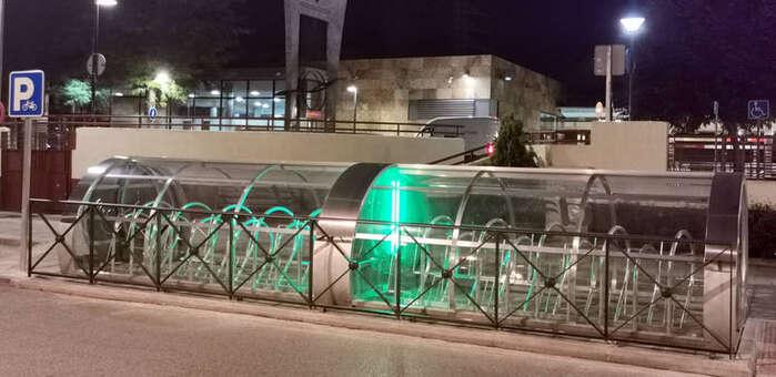 Entra en funcionamiento en Azuqueca el aparcabicis inteligente del paseo de la Estación