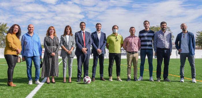 """El campo de fútbol de Villarta de San Juan reabre sus puertas con """"unas instalaciones modernas y de calidad"""""""