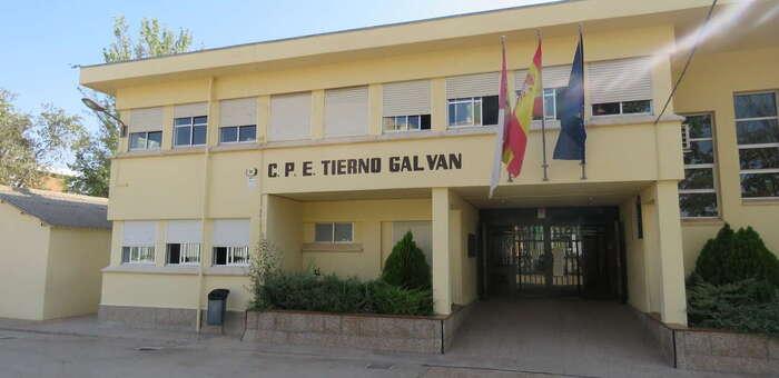 Autorizada en Manzanares la instalación de la cubierta de la pista deportiva del CEIP 'Tierno Galván'