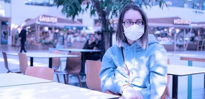 OCU celebra que la mascarilla deje de ser obligatoria al aire libre