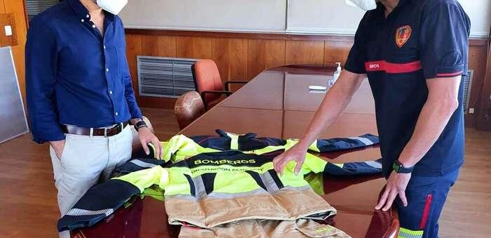 Los bomberos del Servicio Especial de Prevención y Extinción de Incendios de la Diputación de Albacete disponen de nuevos trajes