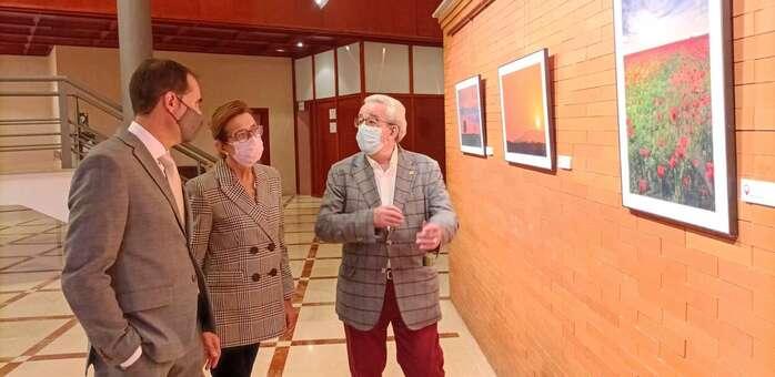 Los paisajes manchegos de Fernando Labián llegan al Gran Teatro de Manzanares