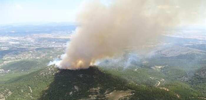 Murcia pide medios al MITECO para frenar el incendio del Cerro Gordo de Caravaca, algunos de Albacete