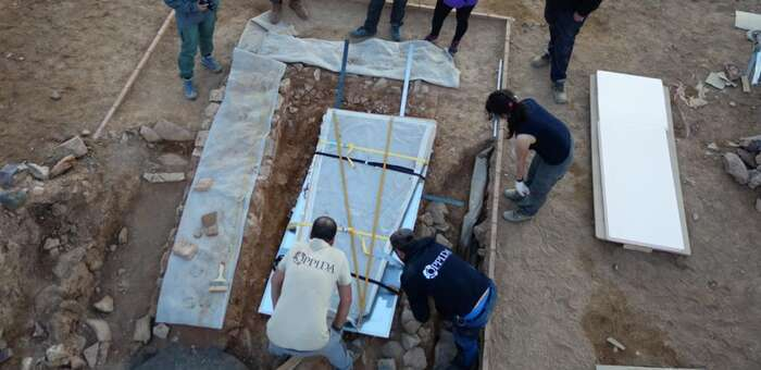La Lauda sepulcral visigoda del yacimiento de Oreto en Granátula se trasladará al Museo Provincial para su restauración