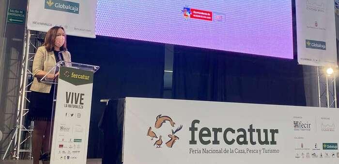 Rosa Melchor presenta en FERCATUR la oferta turística de Alcázar relacionada con la naturaleza