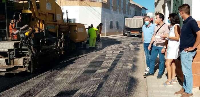 Se acondiciona en Herencia la calle Caldereros y se mejoran tramos de los caminos de la Pedriza