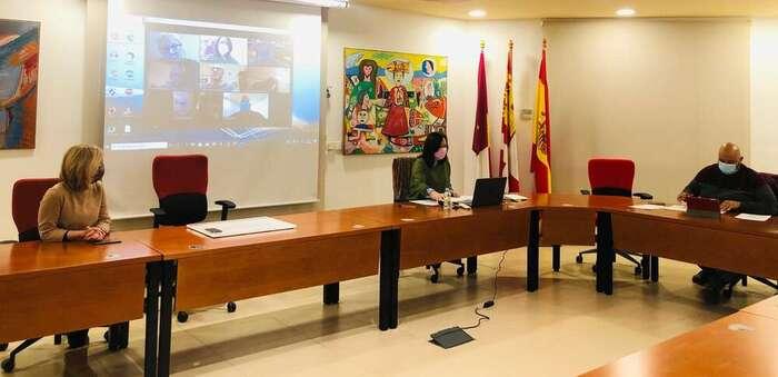 Melchor: Con la convocatoria y celebración de la Mesa del Agua se inicia la recuperación de la empresa Aguas de Alcázar