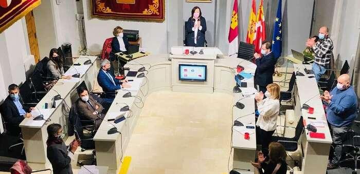 El pleno aprueba el inicio del proceso de liquidación del contrato con Aqualia, ratificando la remunicipalización de Aguas de Alcázar, tras un largo proceso