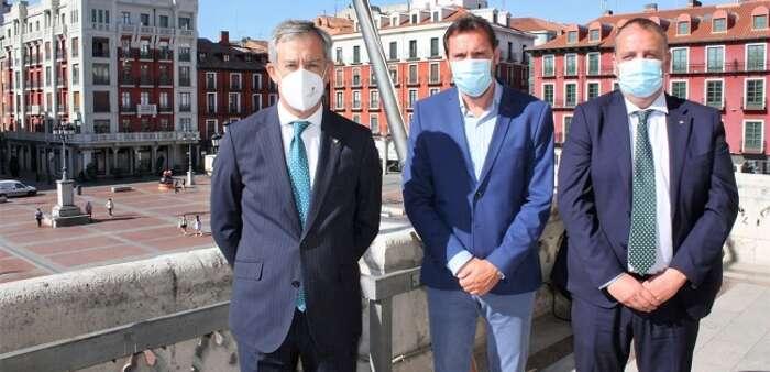 Eurocaja Rural traslada su vocación de servicio al Ayuntamiento de Valladolid