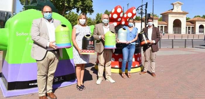 La magia de Disney llega a las calles de Albacete de la mano del Consorcio Provincial de Medio Ambiente, Ecovidrio y Disneyland París con la campaña 'Reciclar vidrio es mágico'