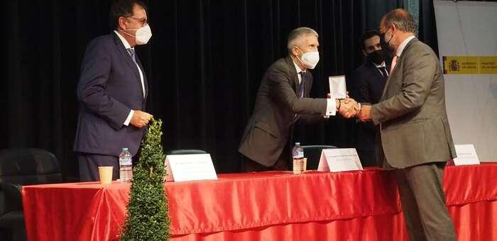 El ministro del Interior entrega a la UCLM la Medalla de Oro al Mérito Social Penitenciario
