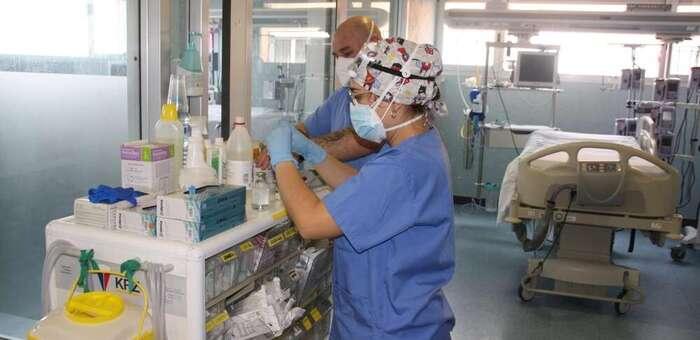 Se mantiene estable el número de pacientes ingresados por Covid-19 en las Unidades de Cuidados Intensivos con 183 en cama convencional y 20 en UCI
