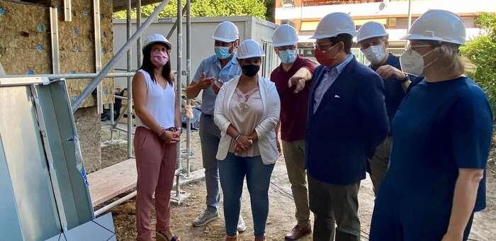 El Gobierno regional supervisa la rehabilitación de las fachadas de la Residencia de Mayores 'Virgen del Prado' de Talavera de la Reina