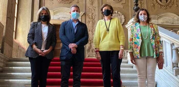 """La alcaldesa destaca los """"lazos históricos"""" de Toledo con el Papa en su reunión con la embajadora de España en el Vaticano"""