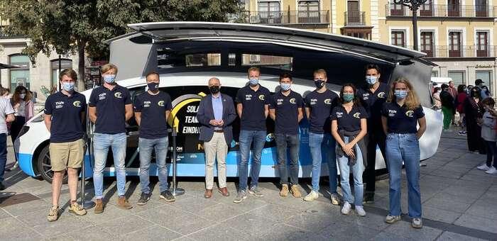 Toledo recibe la primera autocaravana solar, un proyecto holandés que pretende inspirar al mercado de la automoción
