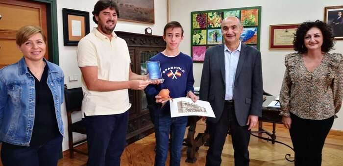 El Alcalde de Villarrobledo pone en valor la calidad de la formación musical y en valores que se realiza desde la Escuela Municipal de Música