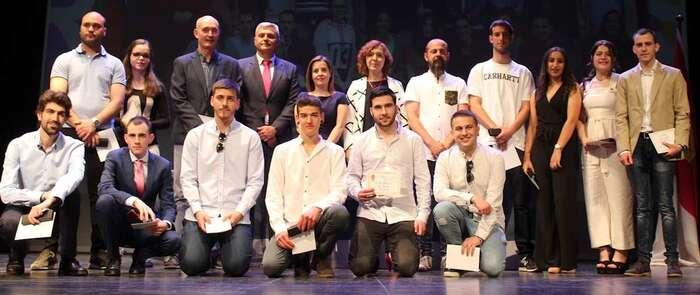 El IES Miguel de Cervantes de Alcázar celebra la graduación del alumnado que finaliza bachillerato