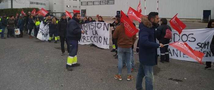 Más del 85% de la plantilla de Lyreco secunda el primer día de la Huelga indefinida contra la política unilateral de recortes de personal vía externalizaciones